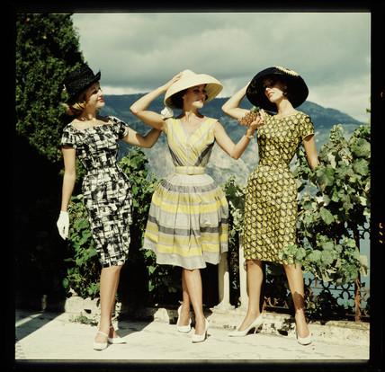 Three women in hats 2643fe6b382