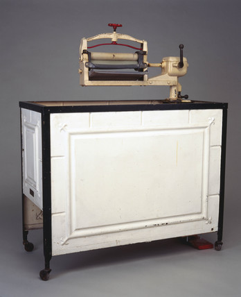 'Locomotive' electric washing machine and mangle, 1929.