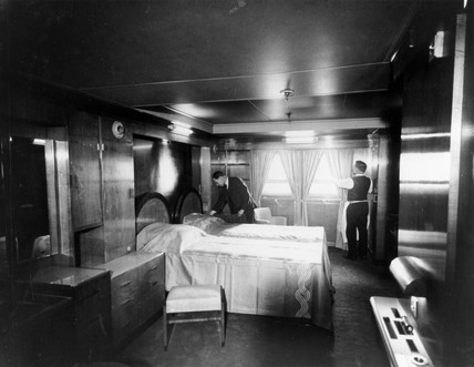 Bedroom suite on the Cunard White Star liner, s Queen Mary, 3 March 1936.