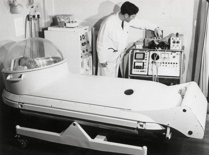 Vickers Hyperbaric Oxygen Bed closed and in operation, 10 April 1968.