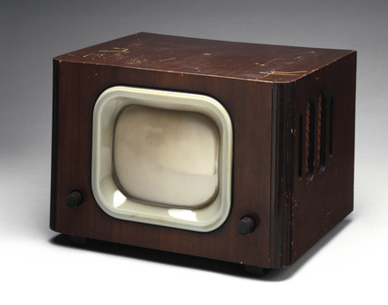 Pye television receiver, model LV20, 1949.