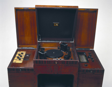 HMV combined television and radiogram, model 902, c 1937.