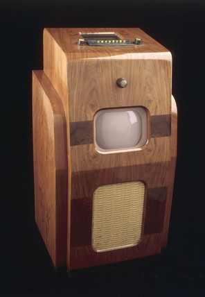 Pye 800-series television and radio receiver, 1938.