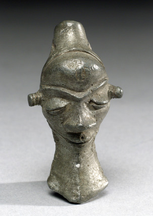 Amulet in the shape of a head, Zairean.
