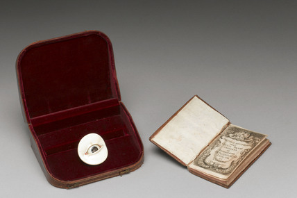 Artificial eye and booklet, Italian, 1679.