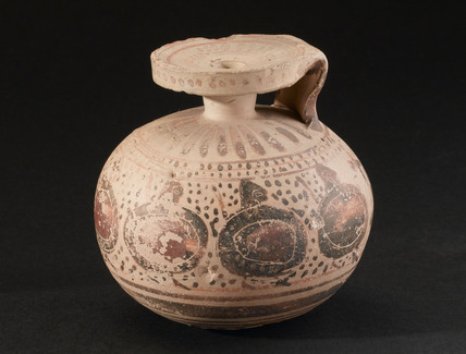 Decorated pottery vessel, Corinthian, 575-550 BC.
