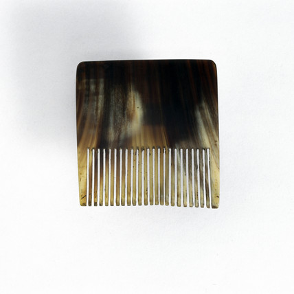 Horn graining comb, 19th century.