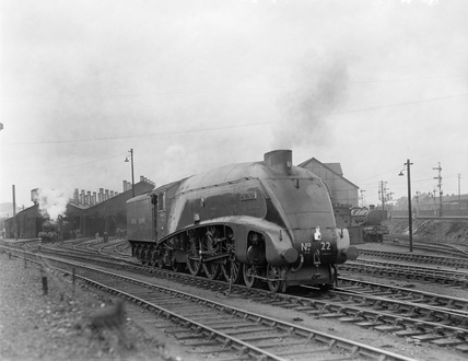 London and North Eastern Railway (LNER) locomotive no. 22, Reading Sheds, 1948. (M. W. Earley, MWE_80/48)