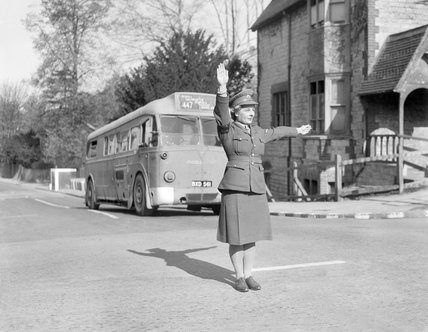 ATS military policewomen to take over traffic control duties - 20-April-1943