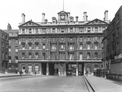 Euston station hotel, 1925