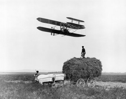 Wilbur Wright flying at Pau, France, Januar