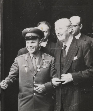 Yuri Gagarin (1934-1968) the Russian Soviet pilot and cosmonaut visits Prime Minister Harold Macmillan, 13th July 1961.