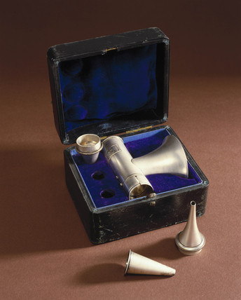 Brunton's auriscope with specula, 1871-1930.