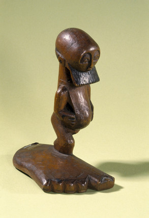 Carved wooden effigy, Congo, 1880-1910.