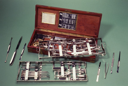 Aseptic surgical set, English, 1917.