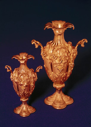 Two gilt vases by Alexander Parkes, 19th century.