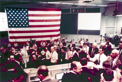 Mision Operation Control Room at the end of the Apollo 8 mision, 1968.