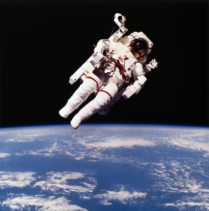 Astronaut Bruce McCandles on the first spacewalk using MMU, 1984.