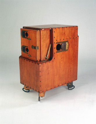 Le Prince single-lens cine camera-projector, British, 1888.