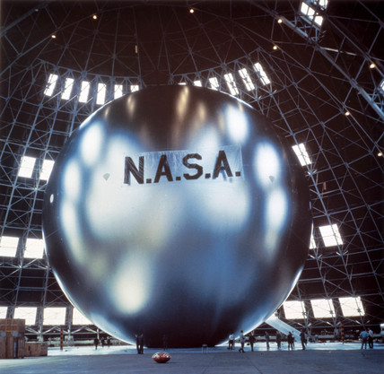 Echo Satellite During Inflation Tests 1960 By Nasa At