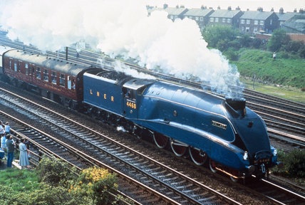 'The Mallard' 4-6-2 steam locomotive, no 4468, 1938.