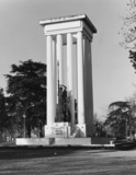 1914-1918 and 1939-1945 War Memorial, with statue of La France