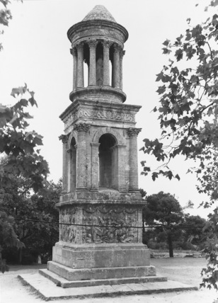 Julii Monument