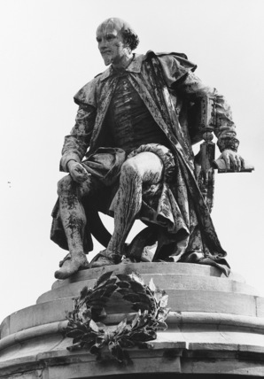 Monument to William Shakespeare