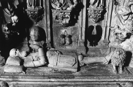Mosteiro de Santa Cruz;Church of Santa Cruz;Tomb of Don Alfonso Henriques