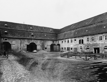 Schloss of the Teutonic Order;Outbuildings
