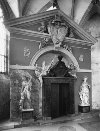 Tomb of Sophie of Saxony and Wilhelmine Ernestine of the Palatine