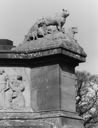 Monument to Thoams Coke, Earl of Leicester