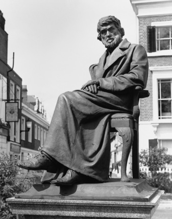 Statue of Thomas Carlyle