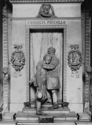 Camposanto di Staglieno;Monument to the Piccollo Family