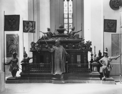 Frauenkirche;Tomb of Emperor Ludwig IV