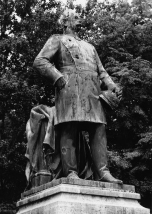 Monument to General von Roon