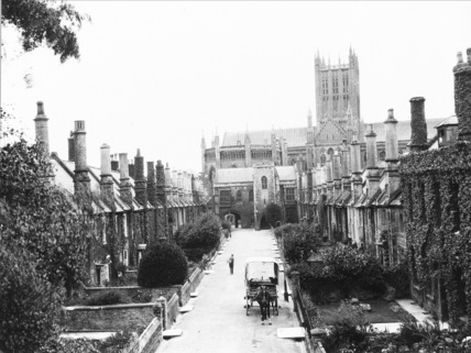Wells Cathedral;Vicar's Close