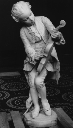 Statue of Young Mozart