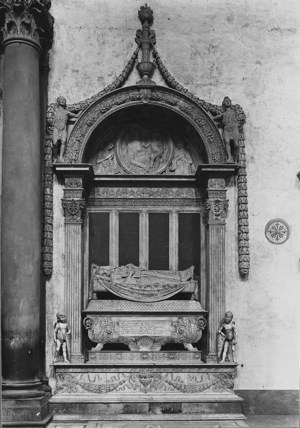 Santa Croce;Church of Santa Croce;Monument to Carlo Marsuppini