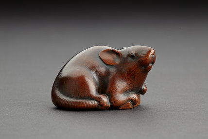 Netsuke in a form of a mouse