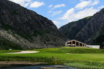 Along with the course comes a brand new clubhouse with a luxury restaurant, private locker room, and simplistic design to take care of any need a golfer might need throughout the day. Photo: Andermatt Swiss Alps