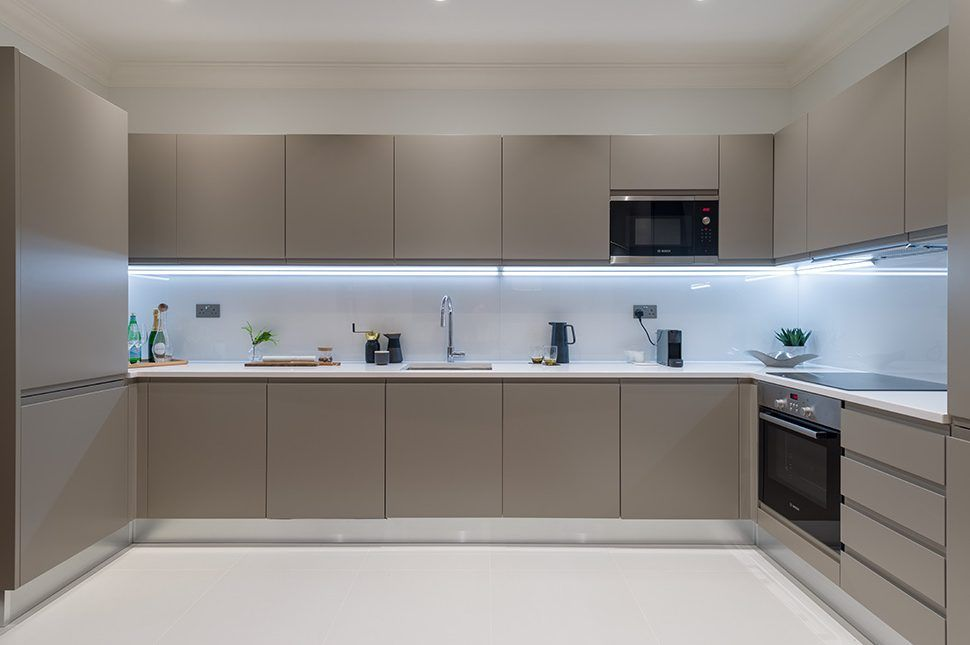 Collingwood House. A kitchen. Mercers Rd.