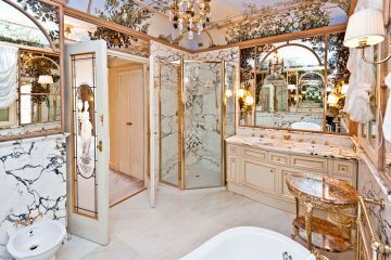 Apartment in Winter Palace, master bathroom