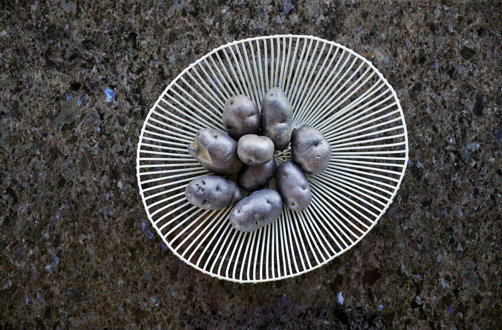 Lundhs-Antique_Lyngveien - benkeplate i stein