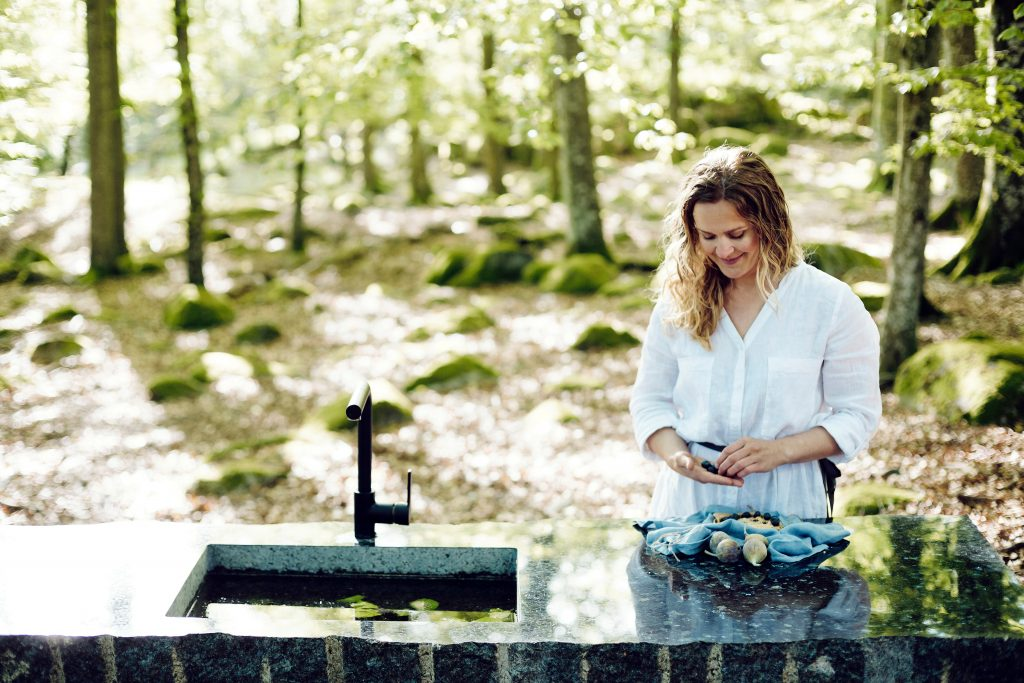 Lundhs Blue kitchen worktop out in nature