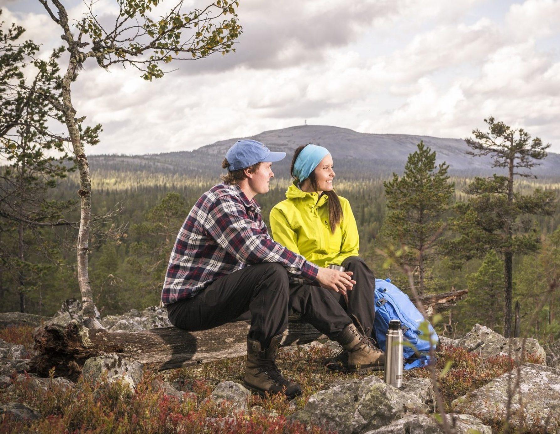 Patikoi Pyhä-Luosto kansallispuistossa - P L Kesa Rykimakuru Crop