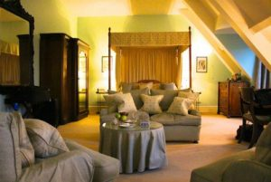 langoed-hall-guest-room