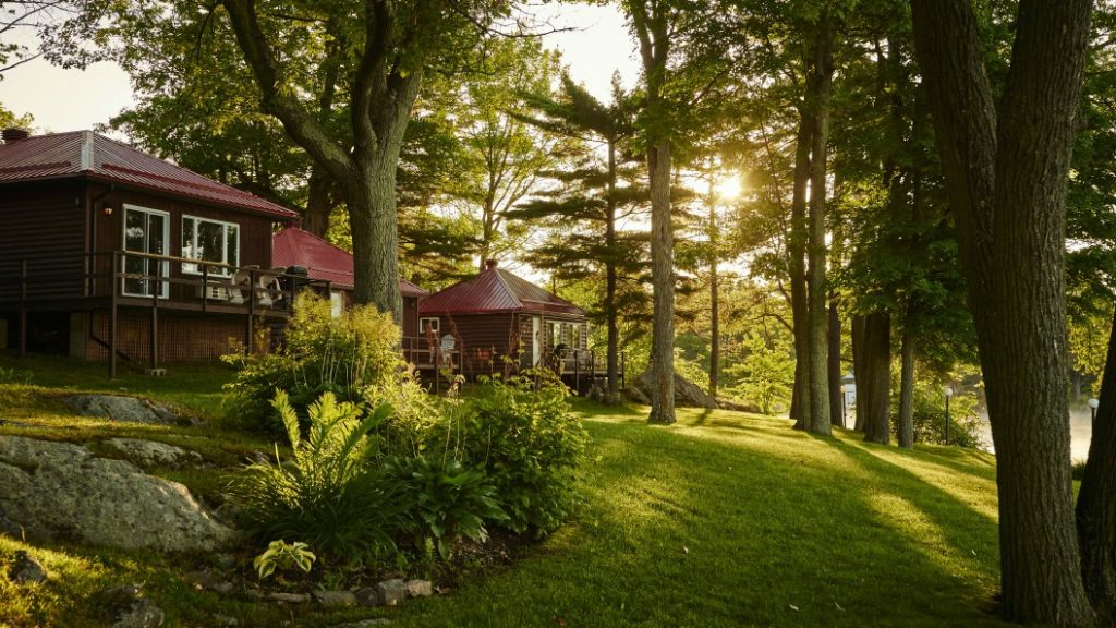 Cottage Chic & Gourmet Cuisine at Viamede Resort