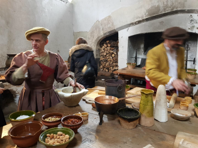 Hampton Court Palace authentic Tudor kitchen