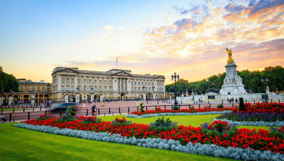 Evan Evans Royal Palaces Tour view of Buckingham Palace